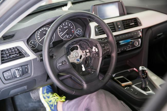 宝马3系改装m-tech包围与丁字裤方向盘