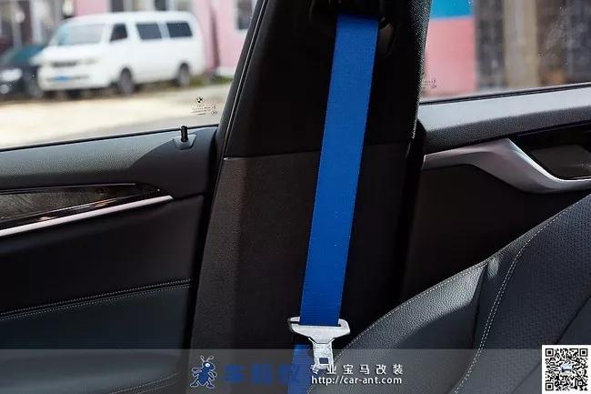汽车 西祠车友大联盟 > 18款宝马5系530改装冰蓝色安全带,小改也能